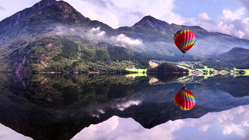 4K ULTRA HD Baloon, Lake, Mountains   Wide Screen ...