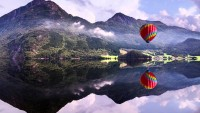 4K ULTRA HD Baloon, Lake, Mountains