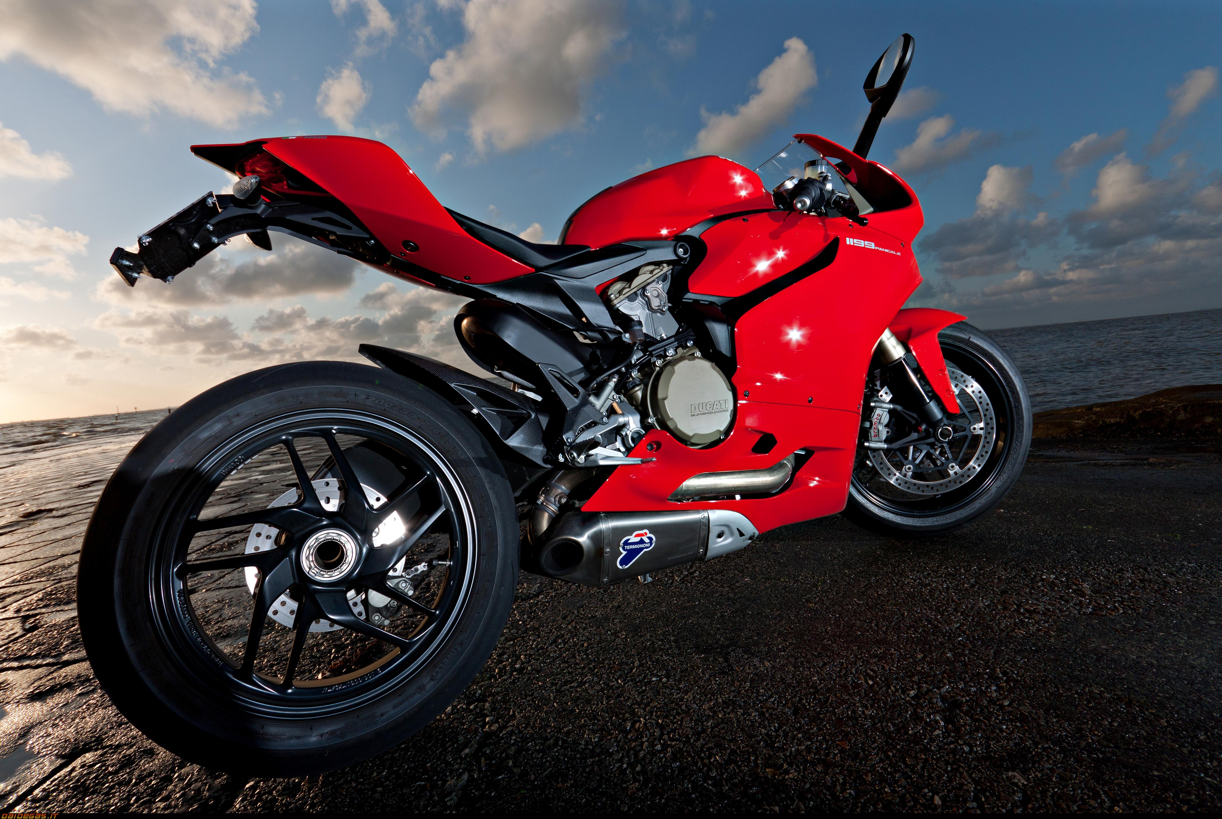 Bikes Ducati R Wallpaper