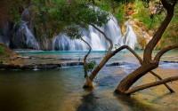 Waterfall 736 UHD Wallpaper