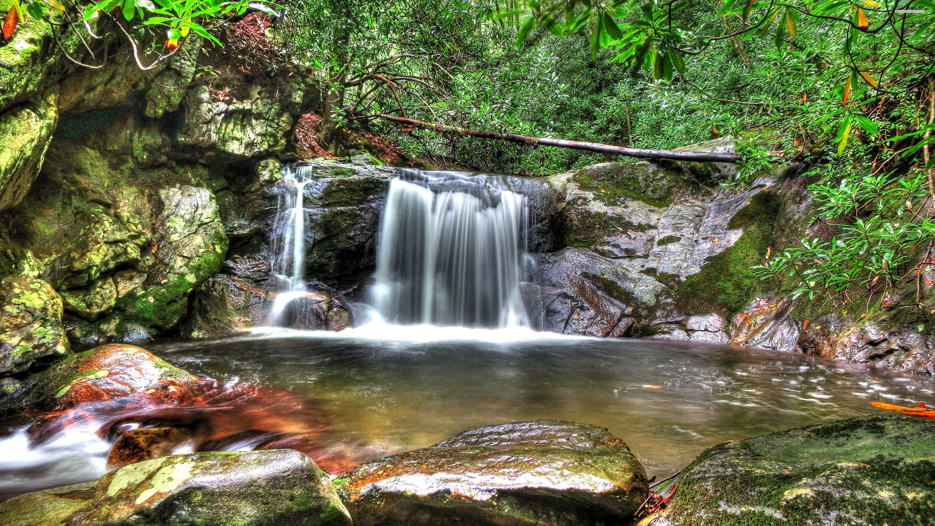 Waterfall 740 UHD Wallpaper