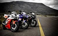 Yamahas and Honda wallpaper